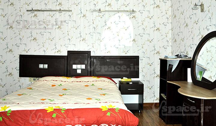 اتاق دو تخته شامل یک تخت دبل یا دو تخت سینگل