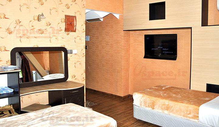 اتاق سینگل شامل 2 تخت سینگل، سرویس بهداشتی فرنگی و حمام
