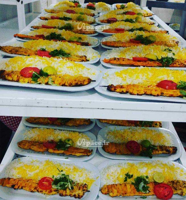 نمایی از شام سرو شده در تالار ماهان